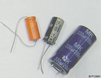 Conhecendo componentes eletronicos Eletroliticos